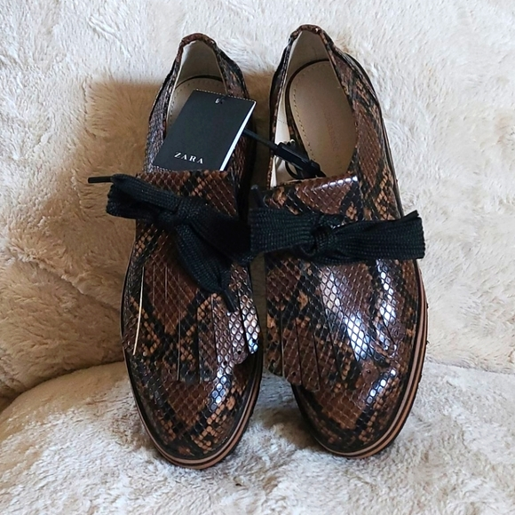 ZARA snake print lace up shoes. NEW WITH TAG